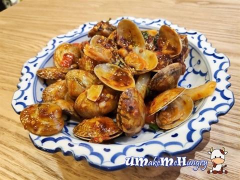 Stir Fried Clams with Thai Chilli Sauce泰式辣味啦啦 - $12